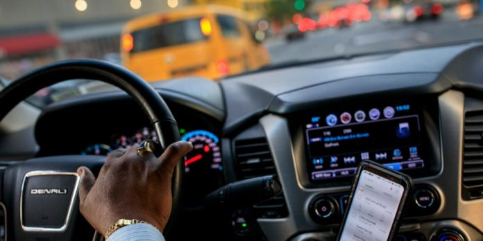 Uber and Lyft drivers reveal the first thing they notice about passengers when they pick them up
