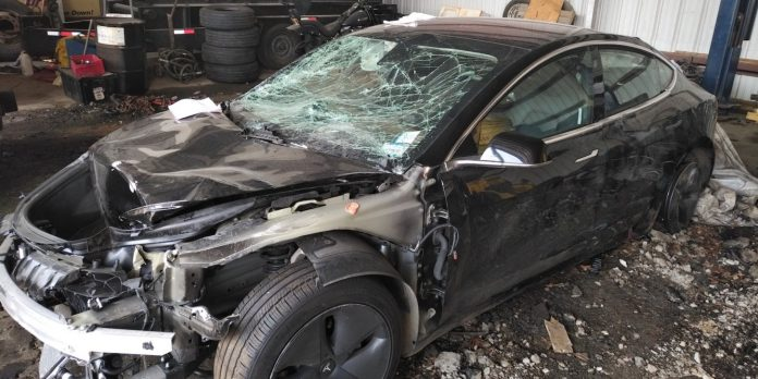 Tesla airbags didn't inflate when a family's Model 3 crashed into a guardrail, and claim the company isn't cooperating with the investigation, victims' lawyer says