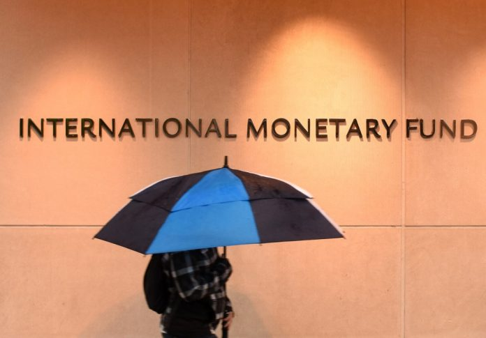 IMF Forecast Triggers Fears of Global Economy at Brink of Recession
