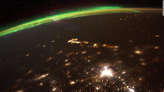 NASA astronaut shares beautiful image of 2020's first meteor shower – CNN