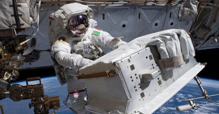 Spacewalkers fix unexpected leak during final work to repair $2 billion cosmic ray detector – CBS News