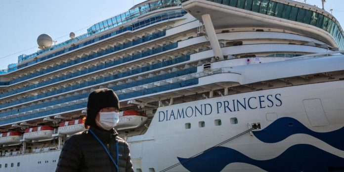2,000 iPhones given to passengers on coronavirus-hit cruise ship near Japan – Business Insider