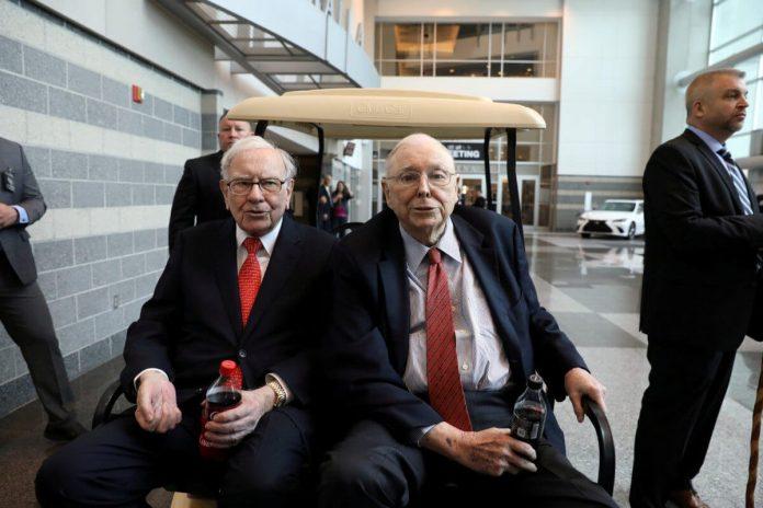 Munger's Dire Warning Makes Berkshire's Cash Pile Terrifying