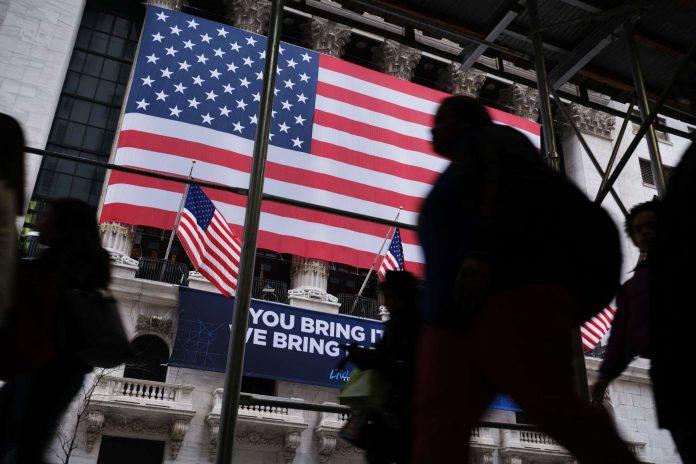Dow Shivers as Coronavirus Threatens Upto 70% of World's Population