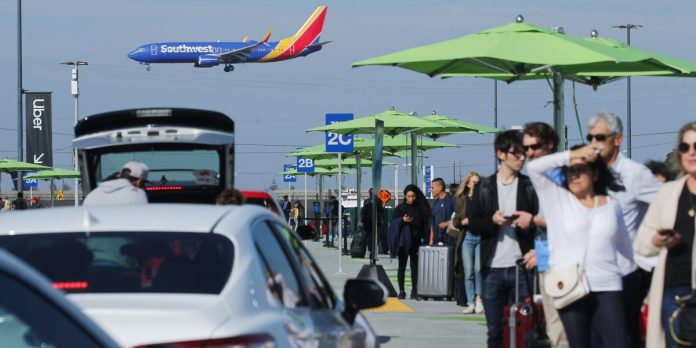 Uber drivers scared of coronavirus are avoiding airport pickups – Business Insider