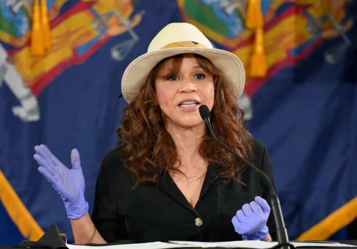 Rosie Perez's Appearance at Governor Cuomo's Briefing Is a True NY Move