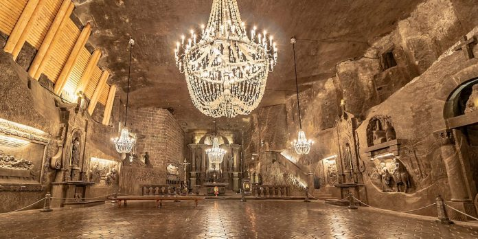 Photos: Poland ancient Wieliczka salt mine and its incredible stories – Insider