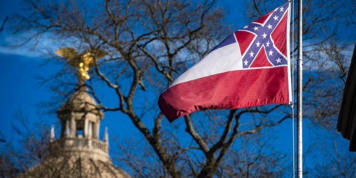 Mississippi lawmakers vote to remove the Confederate symbol from state flag – Business Insider
