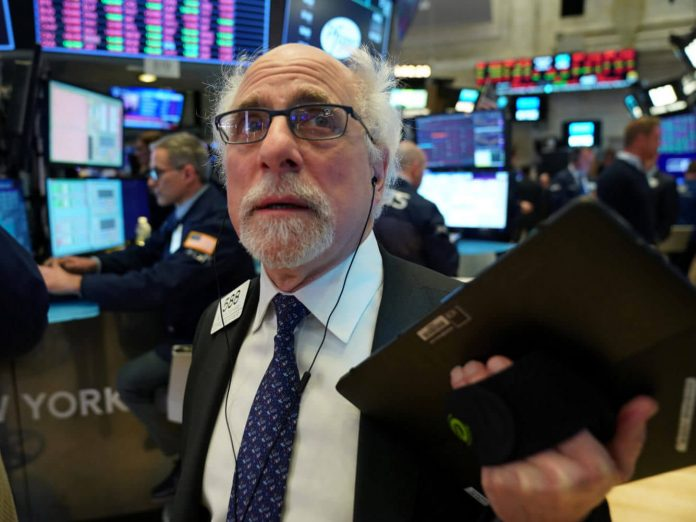 Dow Teeters After 6th-Biggest Stock Sparks Fear of 'K-Shaped' Recovery
