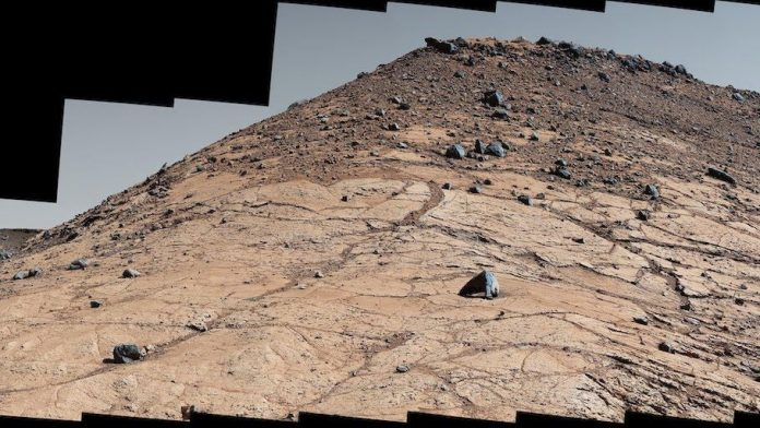 NASA Curiosity rover marks 8 years on Mars with 'Spaghetti Western' view – CNET