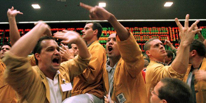 Buffett-backed cloud unicorn Snowflake nets $3.4 billion in record-breaking software IPO