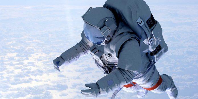 Estée Lauder pays NASA for night repair serum photoshoot in space – Business Insider